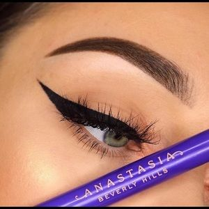 New!Anastasia Beverly Hills Liquid Eyeliner